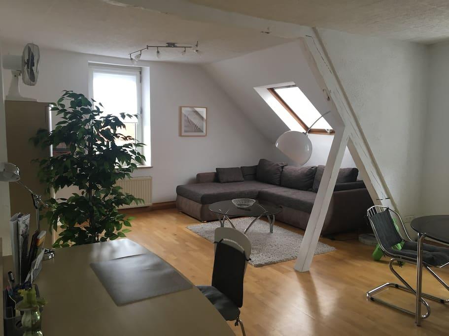 sch ne gro e 2 zi wohnung zentral boxspringbett kaiserslautern. Black Bedroom Furniture Sets. Home Design Ideas