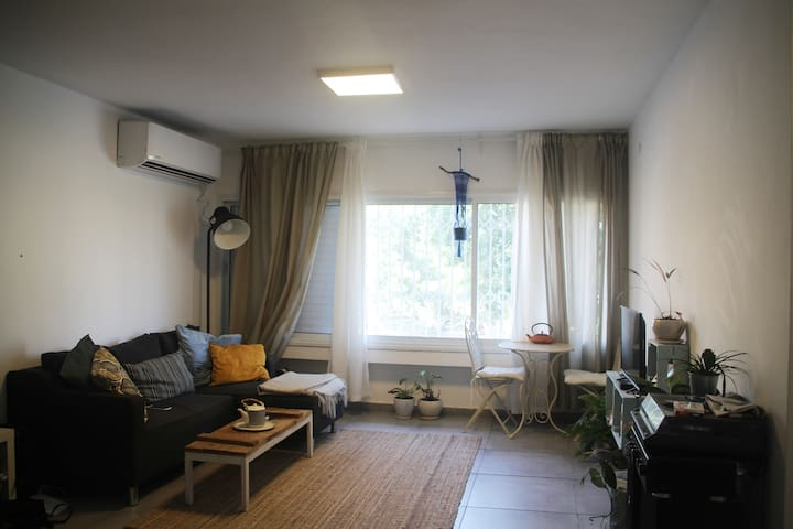 center of jaffa-privat room shared apartment