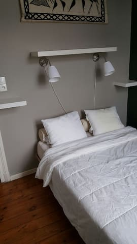 Double room in a fully equipped flat - Schaerbeek - Guesthouse