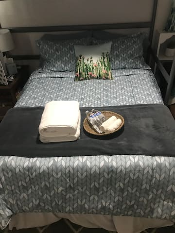 Cozy Room Near Downtown Mesa