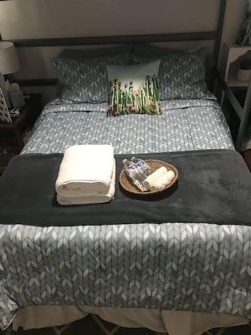 Cozy Room Near Downtown Mesa