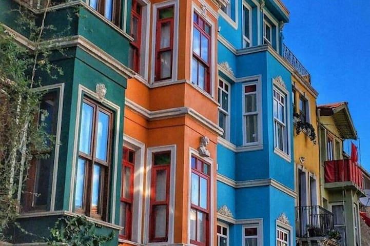ANTİK SÜİT TARİHİ DOKUSUNU KATBETMEMİŞ OTANTİK YER - Istanbul - Guesthouse