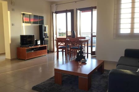 Spacious 2 bedrooms,seaview terrace - Kouklia - Apartment