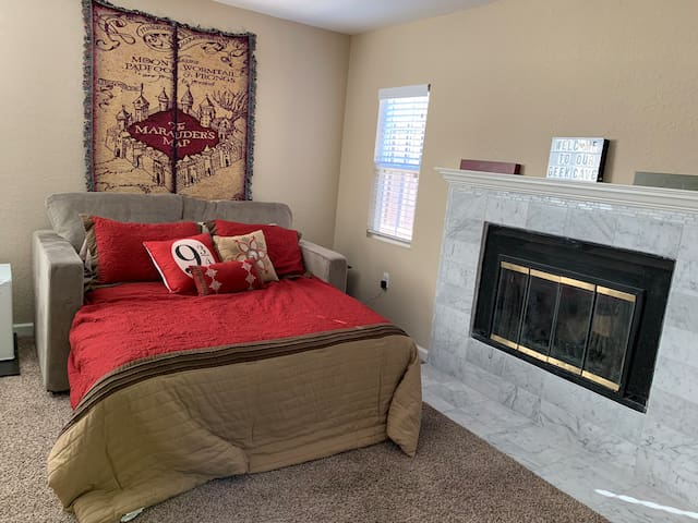 Large Family Friendly Suite (no cleaning fee)