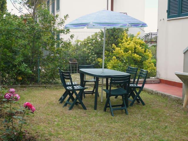 Casa al Mare con giardino