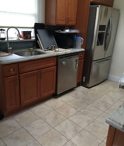 One bedroom in fort lee - Fort Lee - House