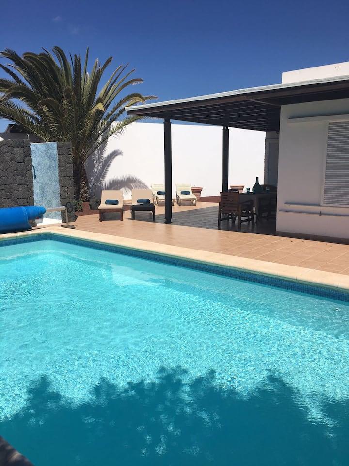 Private villa & pool at edge of Papagayo beaches