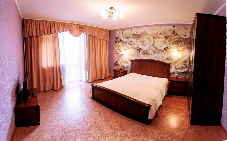 Апартаменты 72 квадратных метра - Tyumen' - Apartemen