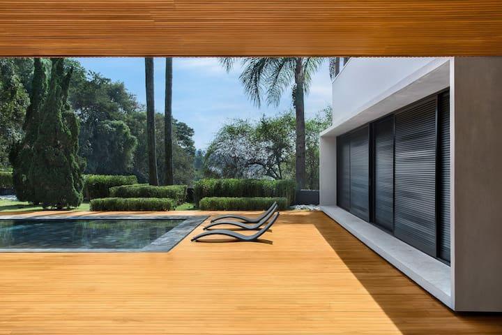 Sao028-Modern design 3 bedroom villa in Morumbi