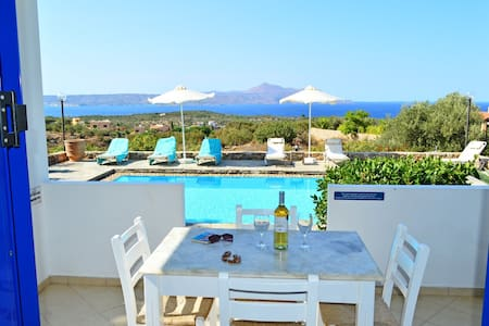 VILLA ARTEMIS LUXURY VILLA WITH PRIVATE POOL - Kokkino Chorio - Villa