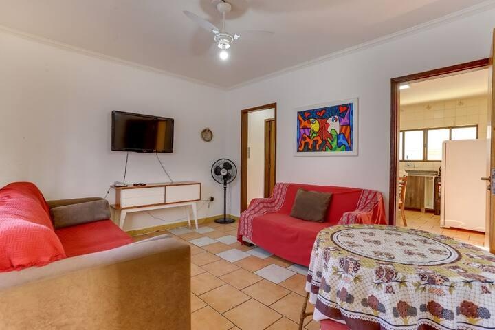 Apartamento de 2 quartos, sala de tv, ap ideal para 5 ou máximo 6 pessoas.