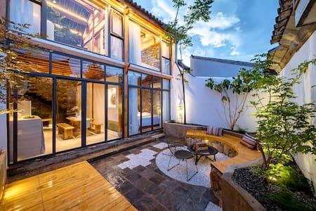 大理古城独栋整套南门床单厂艺术区大2室带庭院