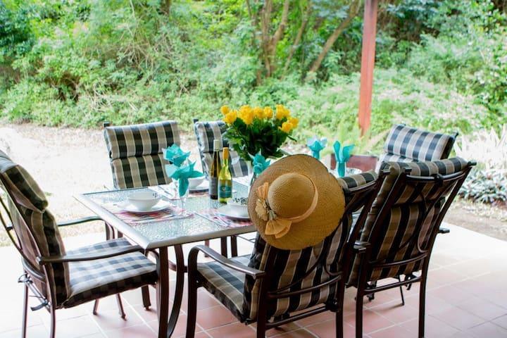 Aloe Cottage ~ Selborne Golf Estate