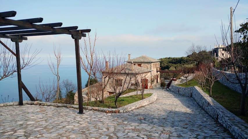 Mountain country house with amazing sea view - Mouresi