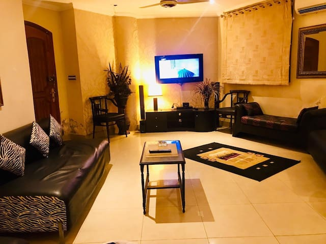 Luxury Family Friendly Apartment with Full Privacy