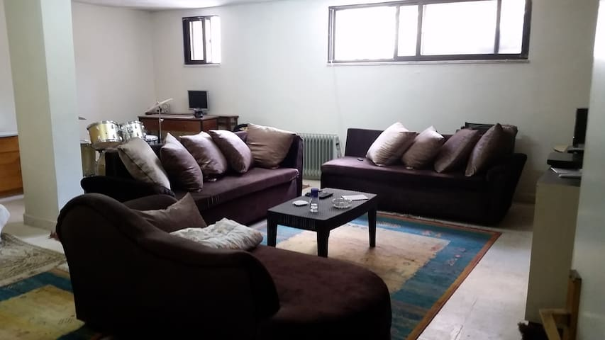 Private room in west Amman (near 7th circle)