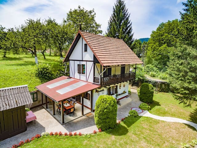 "Gorski kotar, House ""Gianna"", Holiday home - Brod na Kupi - Huis"