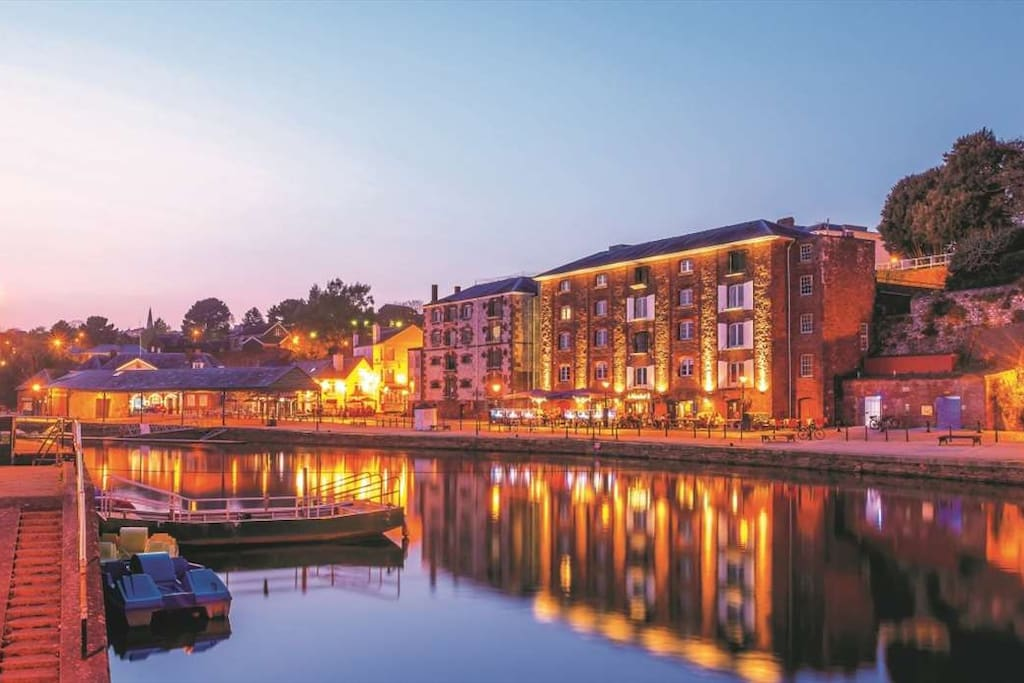 Beautiful Exeter Quay, four minutes on foot from the front door, adjacent to parkland and rivers.