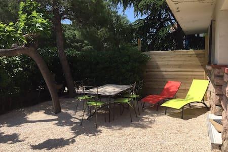 Appartement+jardin dans maison à 300 m de la mer - Saint-Cyprien - Lejlighed