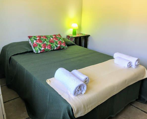 Habitacion Verde: cama doble