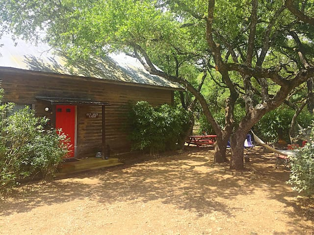 Kick Back Cabin- Country Townhome - Wimberley - Şehir evi