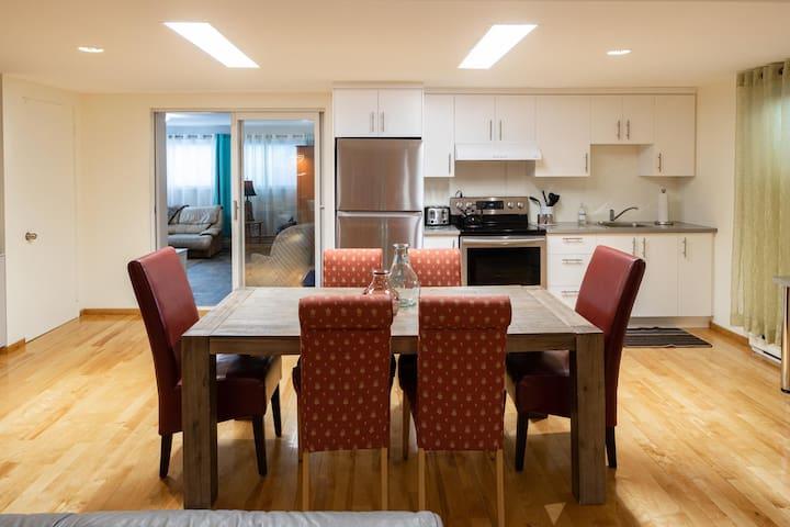 Housing spacious, luxurious, comfortable