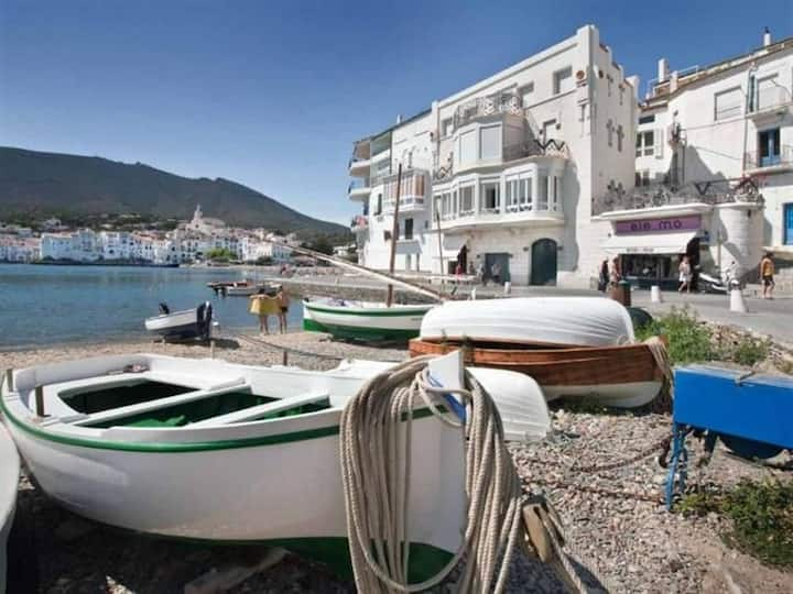 101.41_Apartament with three double bedrooms and terrace in front of Es Poal Beach.