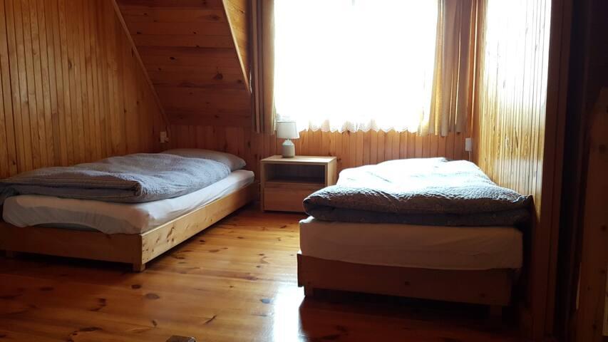 2. Schlafzimmer, Bett 1 und 2