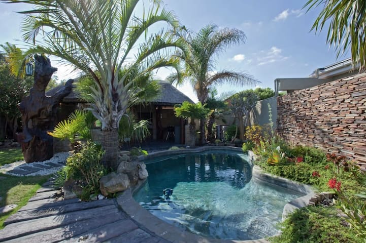 Tranquille Oasis in West Beach/Blouberg