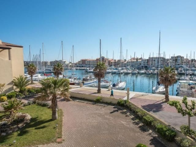 Studio cabine 4 couchages PORT LEUCATE - FR-1-81-441