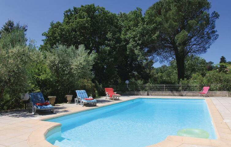 La villa Provençale de la mamé  (la chambre bleue)