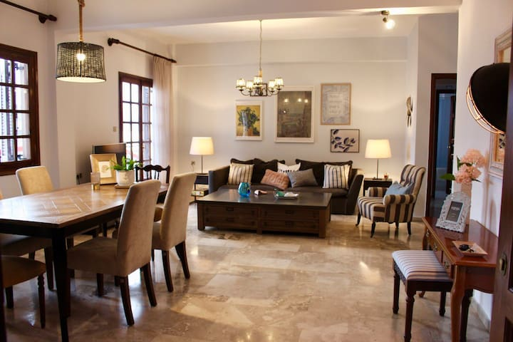 Gorgeous Apt w Amazing Sea View in the Town Center