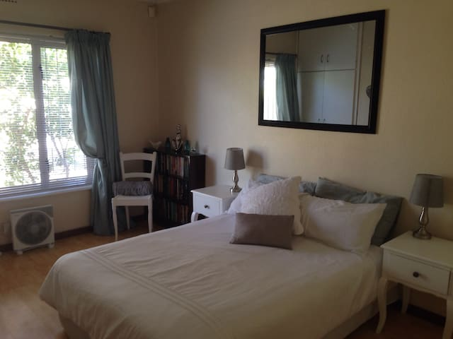 Bloubergrand self catering, close to mall & beach - Cape Town - Apartemen