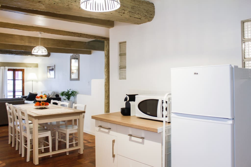cosy t3 neuf 80m2 clim pos 200m mer appartements louer la ciotat provence alpes c te d. Black Bedroom Furniture Sets. Home Design Ideas