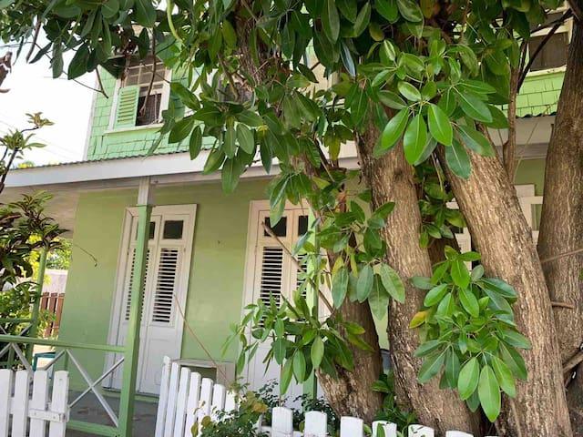 Maraval Guesthouse