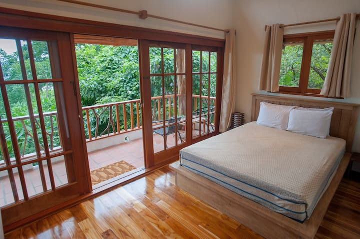 Treetop views of the Pacific in a boutique cabaña