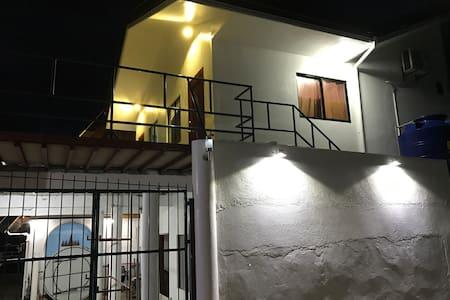 Moalboal shaka Girls Dormitory for 4 person - Moalboal