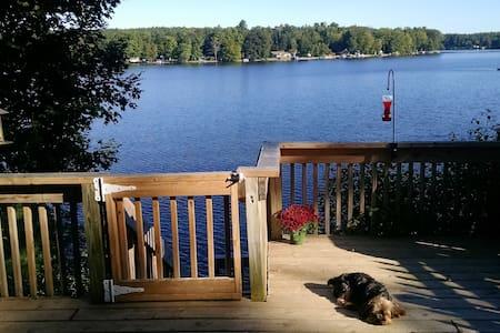 Beautiful Lakefront Getaway - Newaygo