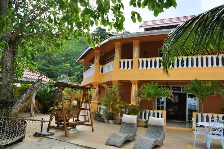 Villa Dorado - Pointe Au Sel - ที่พักพร้อมอาหารเช้า