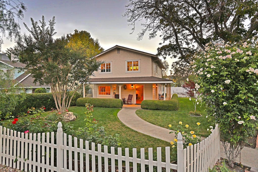 A perfect location on the corner in downtown Los Olivos