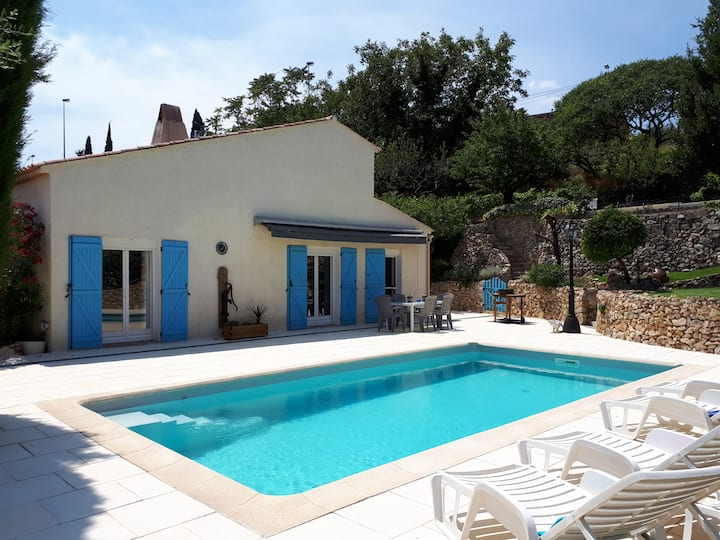 Spacious Villa 1hr from Nice. Easy walk to village