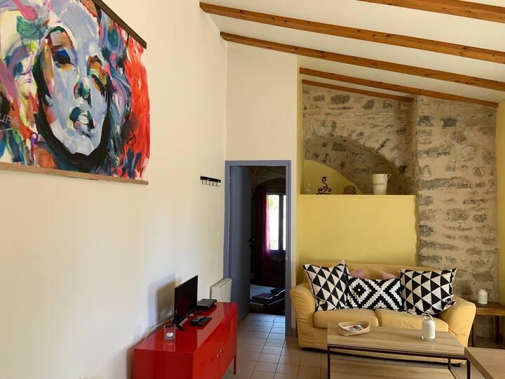 La Petite Tour de Pierrefeu - Gîte avec 2 chambres