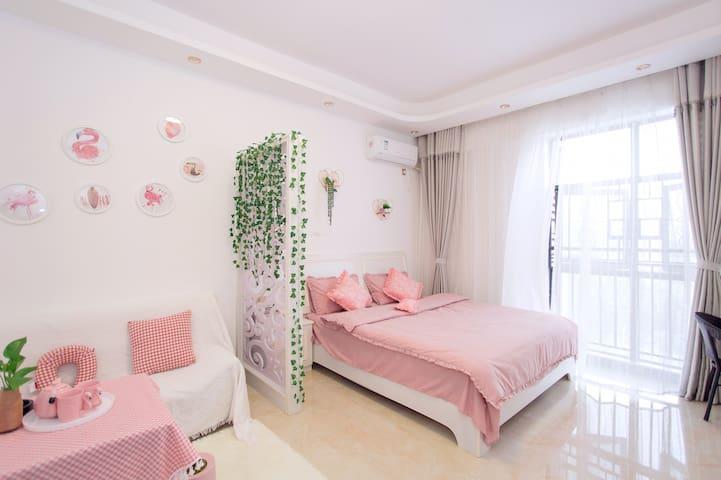 爱意.民宿:火烈之吻、温馨浪漫大床房、可做饭、愿景国际广场