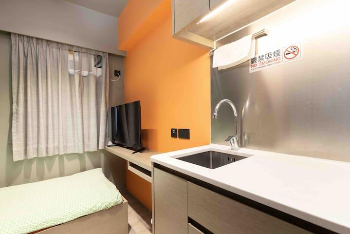 Cozy Studio 1 min Causeway Bay MTR Single bed A