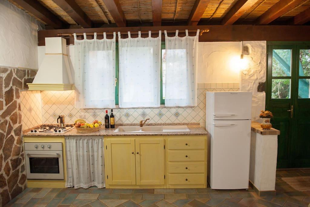 angolo cucina sala da pranzo