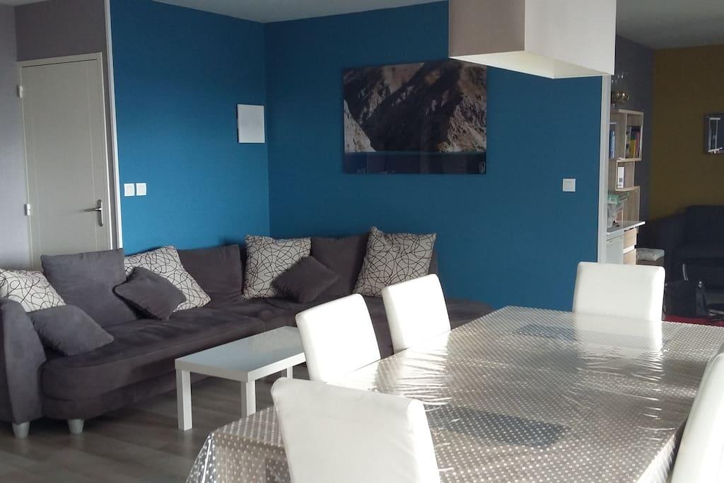 charmant appartement proche du centre ville appartements en r sidence louer rennes. Black Bedroom Furniture Sets. Home Design Ideas