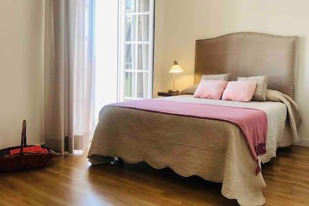 Habitación doble en BONITO CHALET al lado del MAR