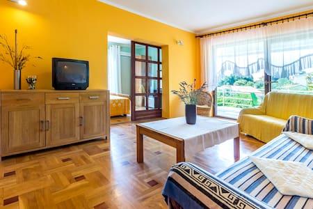 Apartman 4+2 with balcony and sea view - Premantura