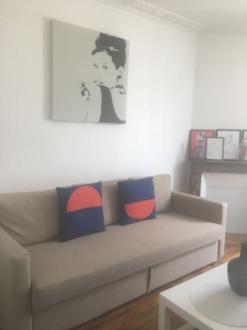 Charming and light flat - ideal for visiting Paris