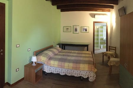 B&B Mellon (stanza verde - familiare) - Colli del Tronto - Bed & Breakfast